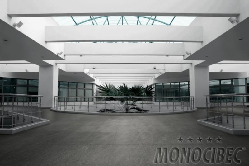 Carrelages ext rieur anti d rapant grand format design for Carrelage terrasse exterieur grand format